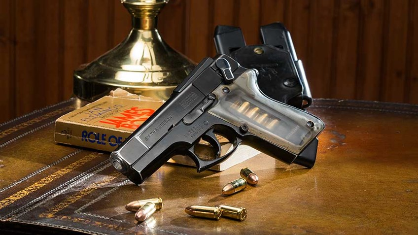 Classic Guns: Smith & Wesson Model 39 'ASP' Combat Pistol